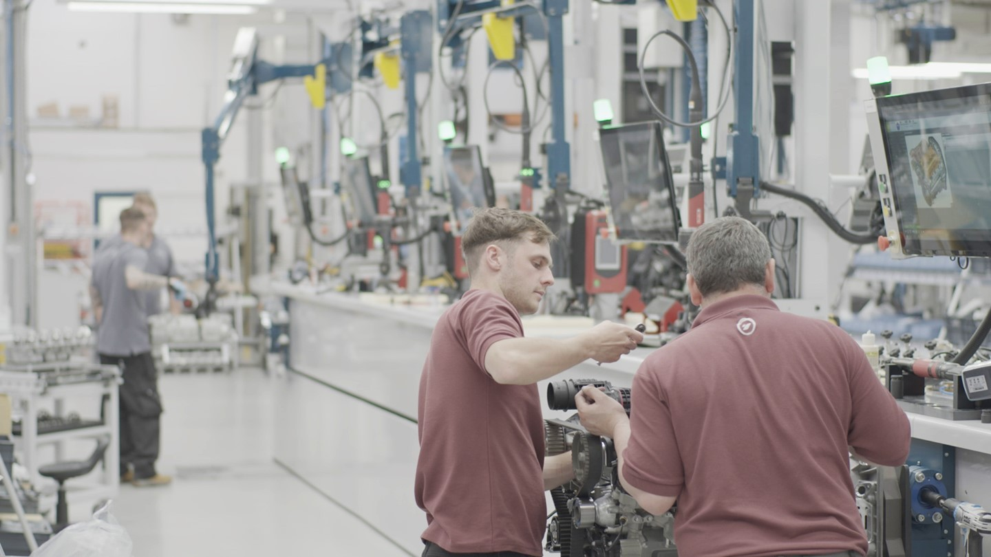 See inside our state-of-the-art production facility to find out more about the CXO300's build journey. Click the link in our bio to enter a 360 degree virtual tour   #CXO300 #CoxPowertrain #DieselOutboard